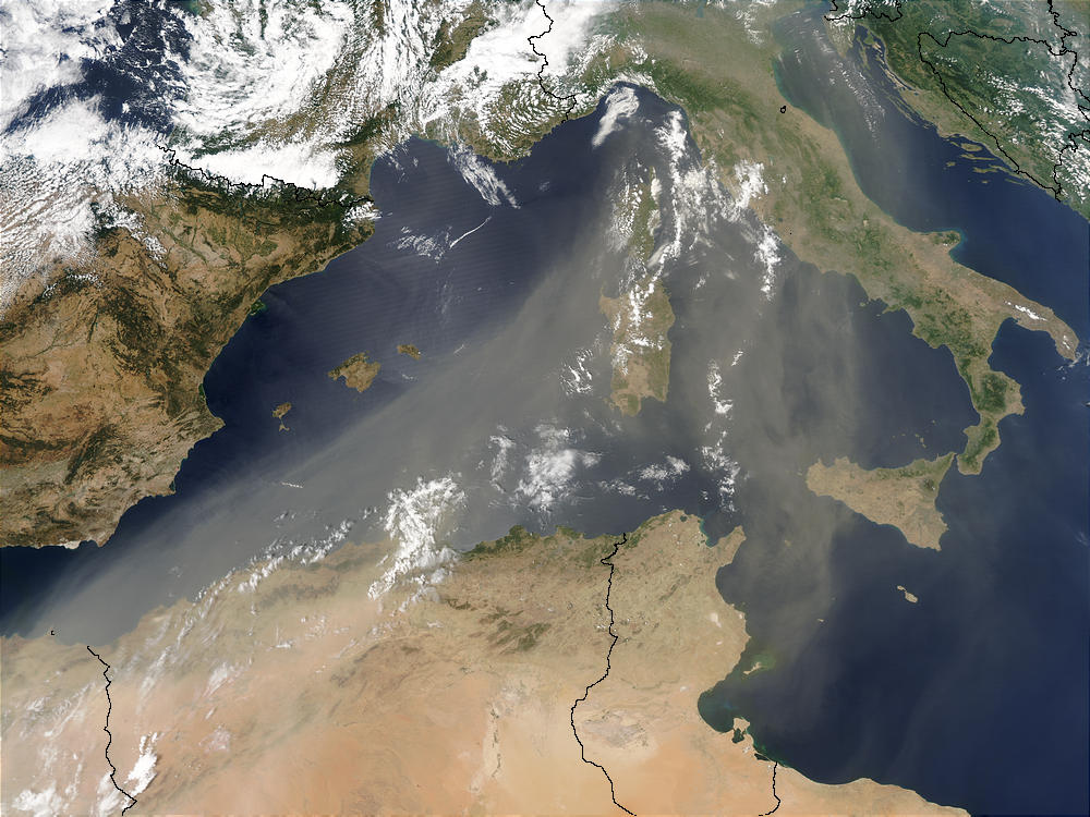 Image of Aqua/MODIS 2003/197 12:35 UTC Saharan Dust over the Mediterranean Sea, Pixel size 2km