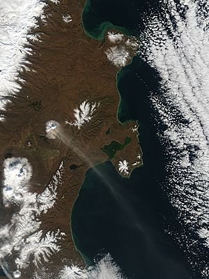 Image of Terra/MODIS 2004/286 00:25 UTC Eruption of Shiveluch Volcano, Kamchatka Peninsula, Russia, Pixel size 1km