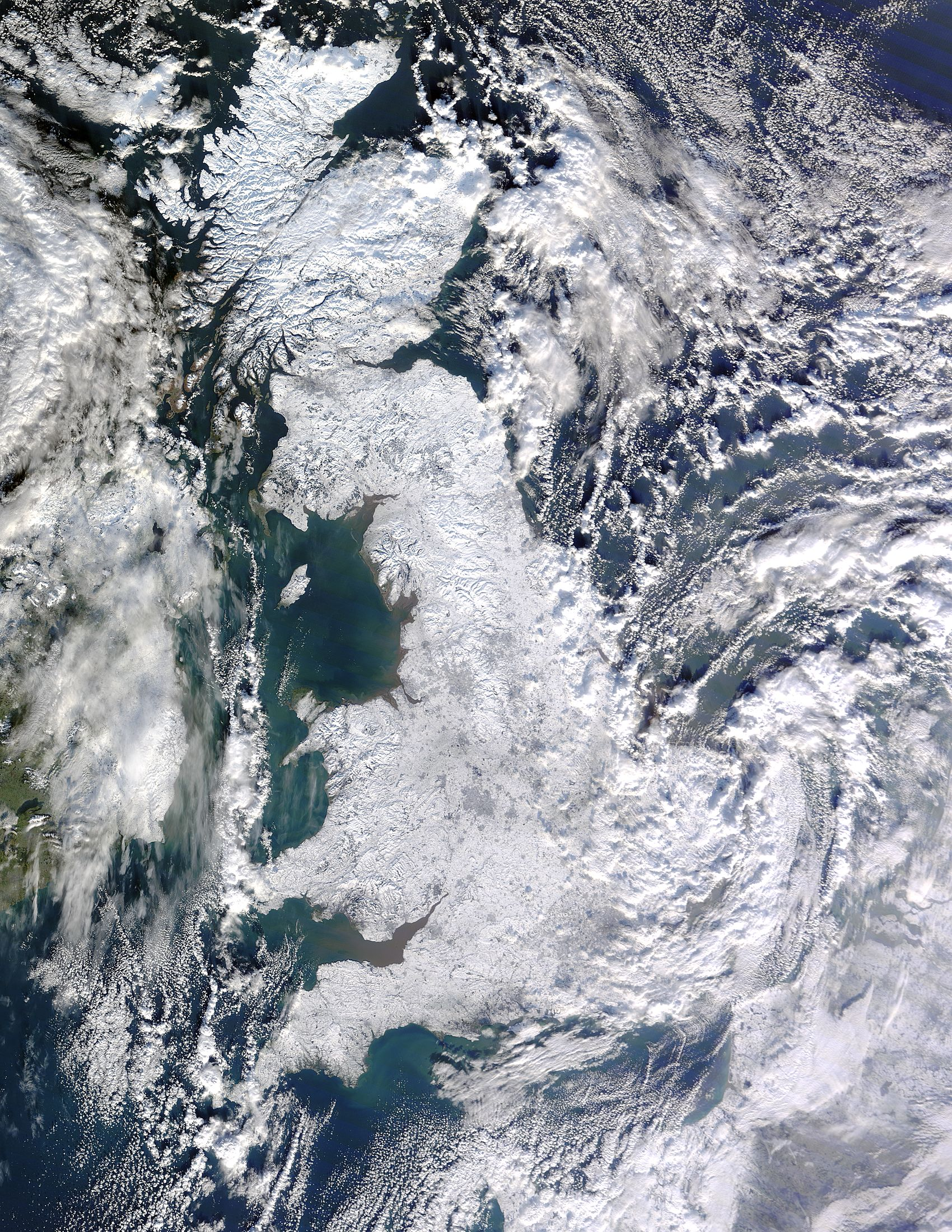 Image of Terra/MODIS 2010/007 11:50 UTC Snow across Great Britain, Pixel size 500m
