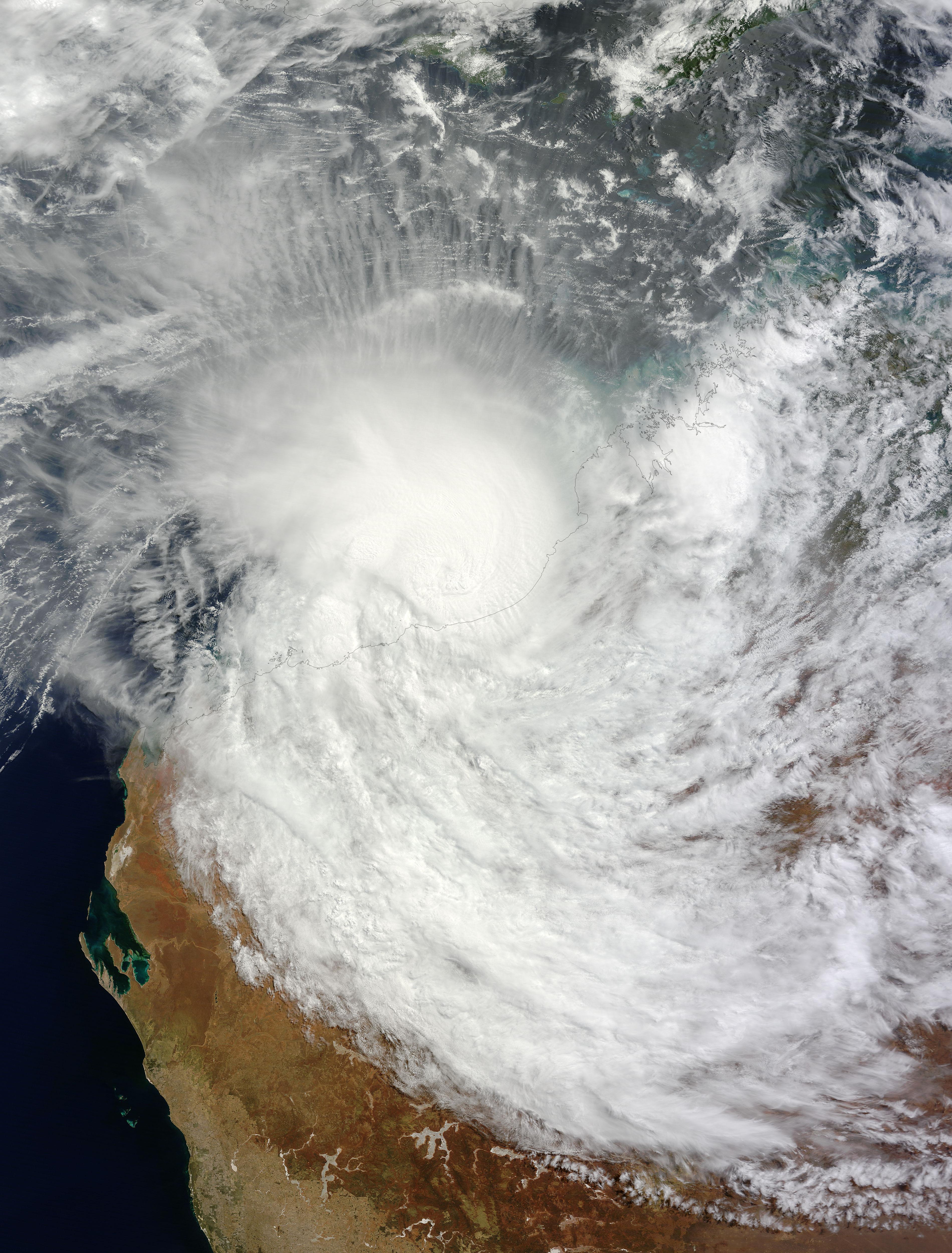 Zyklon LUA ist als Hurrikan über Land gezogen und dabei, sich aufzulösen, Lua, Hurrikanfotos, Australische Zyklonsaison, Australien, 2012, März, Satellitenbild Satellitenbilder,