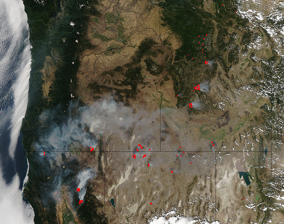 Image of Aqua/MODIS 2012/224 20:40 UTC Fires and smoke in western United States<br>(afternoon overpass), Pixel size 1km