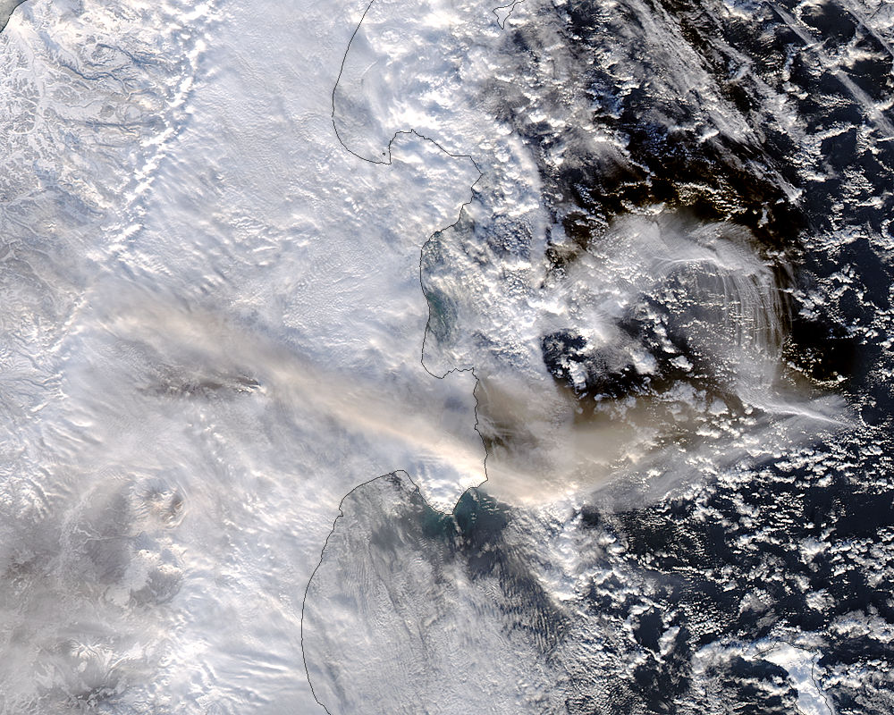 Image of Aqua/MODIS 2018/010 01:35 UTC Plume from Shiveluch, Kamchatka Peninsula<br>(afternoon overpass), Pixel size 500m